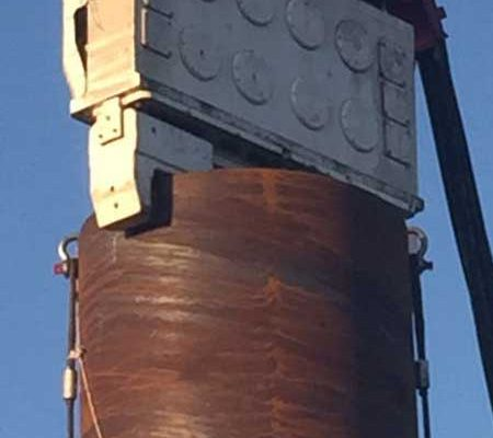 Crane Suspended Vibro Hammer SVR 101 NF - Suez Canal in Egypt