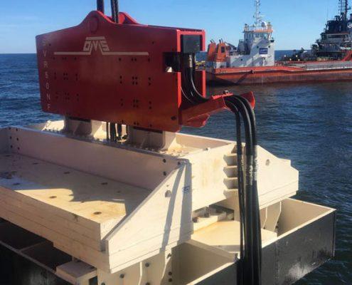 SVR50NF - Crane Suspended Vibratory Pile Hammer-Front